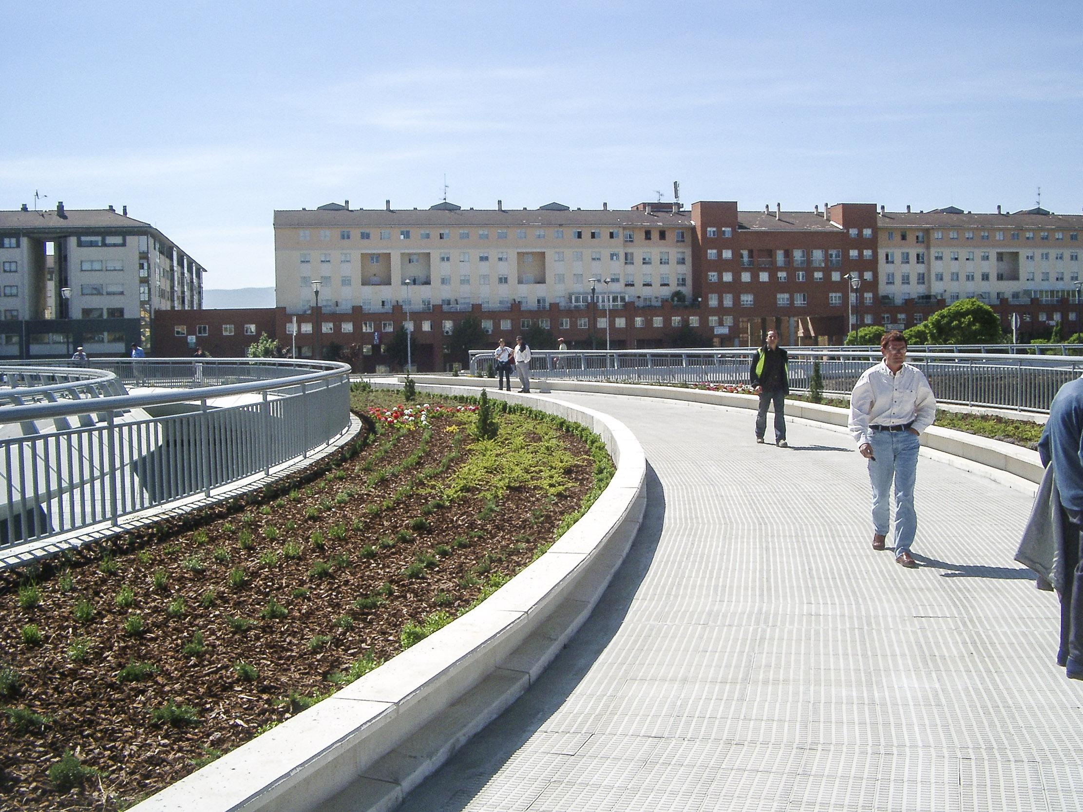 Zizur Mayor Spain  city photos gallery : ... de Proyectos Puente de Zizur Mayor. Navarra. España. 2004. CFCSL