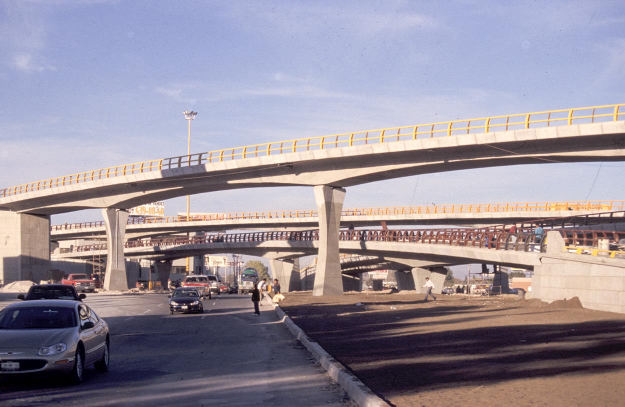 Cfcsl distribuidor vial venustiano carranza viaductos i for Salida de la oficina internacional de origen