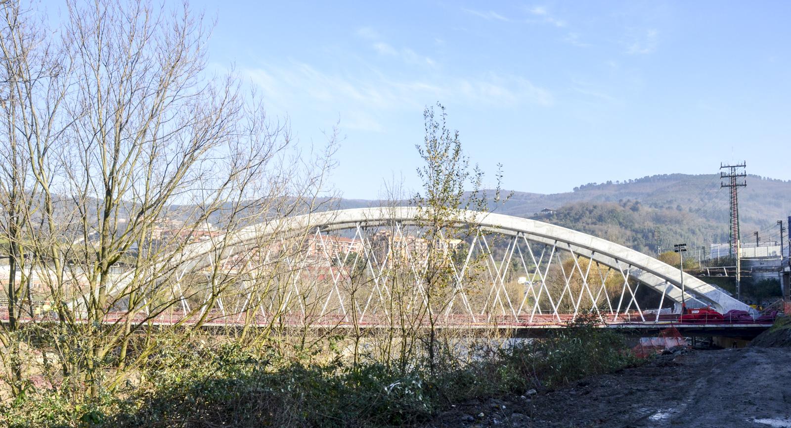 Cfcsl puente sobre el r o nervi n de la l nea bilbao for Salida de la oficina internacional de origen